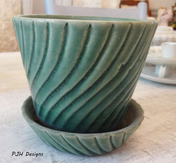 Vintage Brush Mccoy Pottery Planter With By Peggyjhaledesigns
