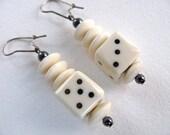 Dice earrings in bone and Hematite