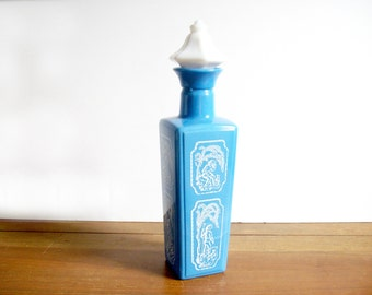 Vintage Decanter, Blue and White, Chinoiserie, Hollywood Regency Retro Barware, Liquor Decanter Bottle