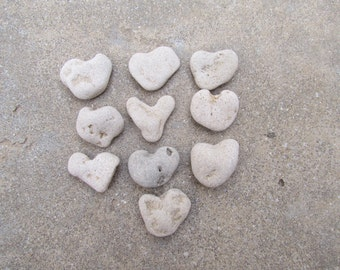 10 pcs. Natural Heart Pebbles. Beach Stone Nature Art Deco Supply. Heart Shaped Stones. Weddings Favors. Thank You Stones. Wishing stones