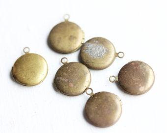 Tiny Brass Lockets (6x)
