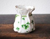 "Lefton Shamrock Green White Porcelain Vase, Scalloped ""St Patrick"" Bag, Collectible Decor Original Label - vintageeclecticity"
