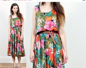 tropical floral dress // vibrant color print // vintage 80s // hawaiian summer flower // midi maxi // small medium