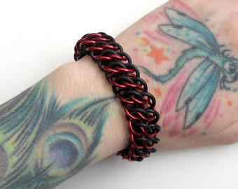 Stretchy chainmail bracelet, red & black GSG weave