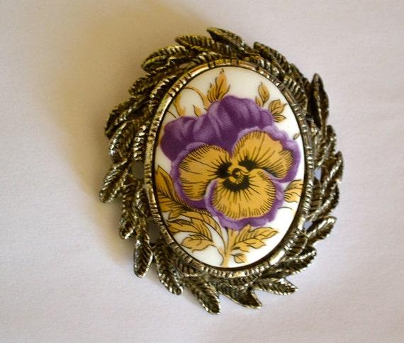 Vintage IRIS Flower Brooch, Antique Silver Tone, Victorian Design, Painted Porcelain, Estate Sale, Item No. B225