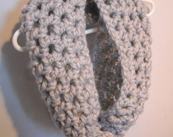 Gray Thick Chunky Yarn Cowl
