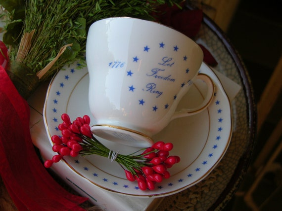 Vintage Tea Cup and Saucer Royal Crownford England Bi-Centennial 200 Years 1776-1976
