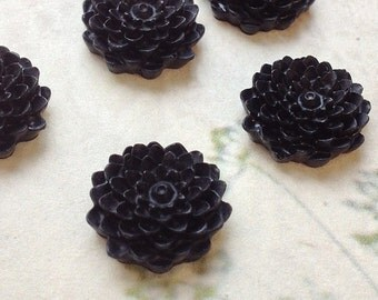 SPECIAL OFFER --- 15 mm Black Colour Morifolium Resin Flower (.ag)