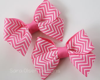 Petite Classic Hairbow, Set of 2, Hot Pink White Chevron, Simple Bows, 2.5 Inch Hairbow, Hair Clip, Girls Hairbows, Toddler Hairbows