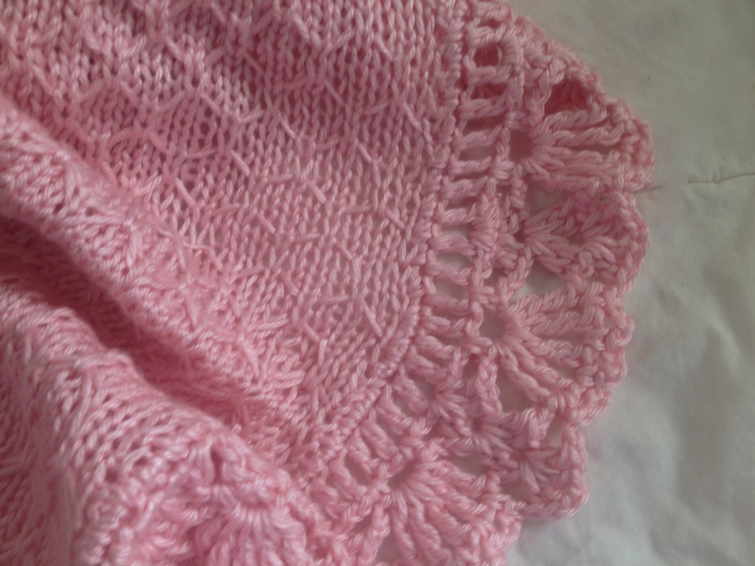 Knitted Blanket Edging Pattern : Hand Knit Baby Blanket in Honeycomb Pattern with Ruffled lace