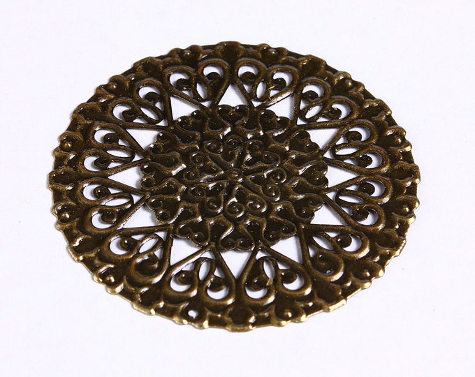 50mm Antique brass large round filigree charm - Antique brass flower filigree pendants (905) - Flat rate shipping
