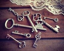 8 Pcs Skeleton Key Charms ANTIQUE SILVER Key Charm Victorian Key Charm Old Fashioned Key Charm Vintage Style Charm Jewelry Supplies (Y)