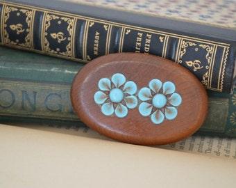 Wood Brooch Floral Design Vintage