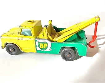 Vintage Lesney Dodge Wreck Truck - BP Matchbox Yellow Green no.13 1965