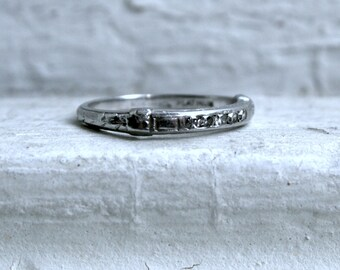Fabulous Vintage Platinum Diamond Channel Wedding Band - 0.10ct.