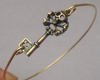 LOVELY Skull Key Bangle Bracelet