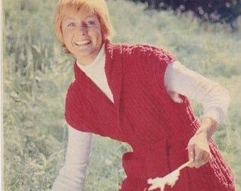 On Sale -Womens Weekly -  Fashion Knits - 1974 Mag Insert - Womens Knitting and Crochet Pattern