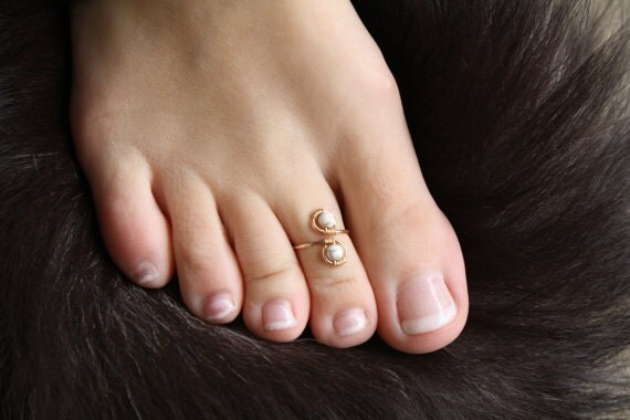 Genuine White Howlite and 14K Gold Wire Wrapped Adjustable Ring/Toe Ring