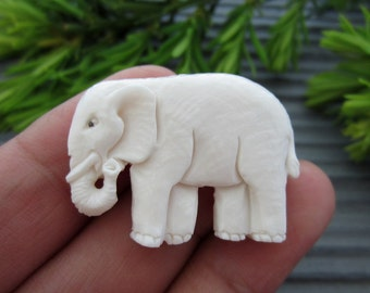 Hand carved Little Elephant,pendant, Carved buffalo bone cabochon, Jewelry making Supplies S2653