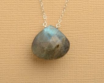 Labradorite Necklace, Labradorite Jewelry, Gray Blue Gemstone, Healing Gemstone, Summer Necklace