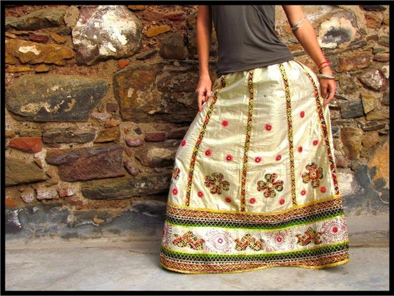 """Silver Tribal Skirt - Kuchi Skirt - Gypsy Skirt with amazing applique - AUTHENTIC VINTAGE  """"req45083"""