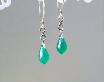Gemstone Earrings, Sterling Silver Infinity Twisted Link, Green Onyx Faceted Chandelier Briolettes, Sterling Silver Earwires. Gift. E184.