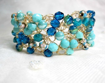 Teal and Turquoise Crocheted Wire Bracelet, handmade beaded bracelet, magnetic clasp