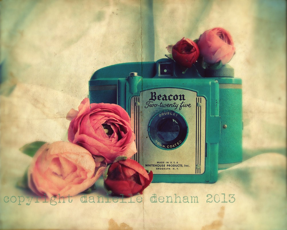 Vintage camera photography beacon two twenty by for Vintage style photography tumblr