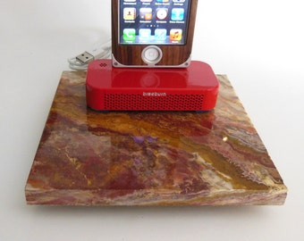 Red onyx with a red braeburn iPhone 7/7+, 6/6+ and 5/5s dock
