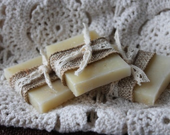 Soap Favors - Burlap and Lace - Weddings- Bridal-Baby-Showers-Rustic-French Chic- Country- Belle Savon Vermont