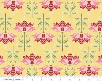 Apple Of My Eye Yellow - Floral, 1 yard Cut, Riley Blake Designs
