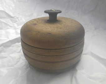 Round Wooden Stash Box Vintage with Lid