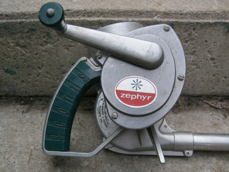 Vintage Scotts Zephyr garden duster or sprayer model A 61