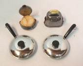Lot  2 Vintage SALT & PEPPER Shaker Sets Ceramic Toaster and Waffle Iron Plus Plastic Frying Pans