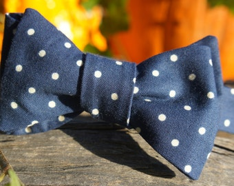 "Navy and White Large Dotted Bow Tie 14.5""-18.5"""