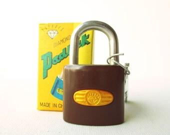 Vintage retro brown chocolate padlock miniature lock and key with original box (UNUSED)