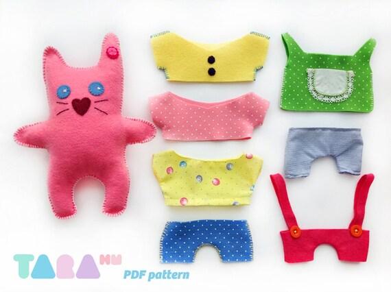 Diy felt pattern cat with clothes fabric cat toy maxi for Felt cat toys diy