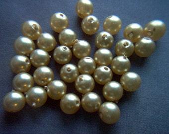 Vintage Champagne Glass Pearls x 33    # DD 14
