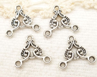Ornate Chandelier Connector Charm, Antique Silver (8) - SF31