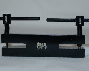 Metal 2 Hole Punch By Beadsmith (1.5 and 2.0mm) .