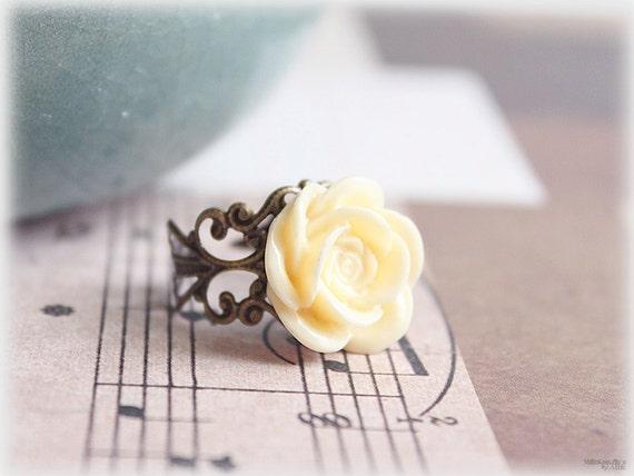 Cream rose cabochon adjustable cocktail ring, filigree brass ring, lucite flower ring, wedding, spring trend