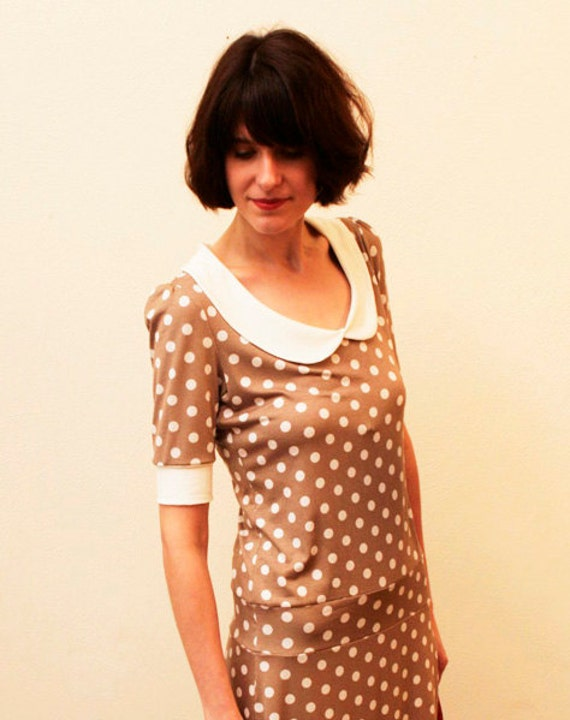 Dress lulu with little dots and a round collar