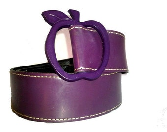 vtg BELT PURPLE  faux leather APPLE  buckle