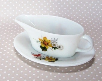 Vintage Retro JAJ Autumn Glory Gravy Jug Sauce Boat and Saucer - Made in England - Kath