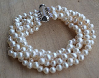 pearl bracelets,7.5-8 inches 5 rows 5-6mm Freshwater Ivory Pearl bracelets,wedding party,wedding BRACELET