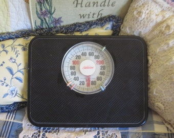 Vintage Black Bathroom Weight Scale, Made by Sunbeam, Black and White Bathroom, Vintage Bathroom Scale, Vintage Bathroom, Home Decor :)s*