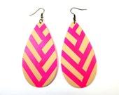 Neon Chevee Earrings in Neon Pink and Tan