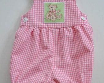 Baby romper in pink or blue  gingham, teddy bear applique  new baby gift,  snap closure, summer romper, sizes newborn to 12 months.