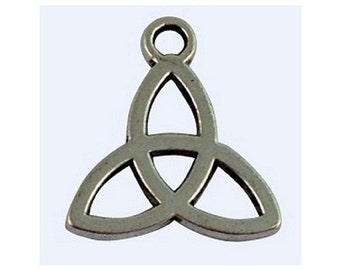 8 Simple Design Triquetra Irish Ancient Celtic Trinity Knot Charms Atq Silver Tone Jewelry Supplies 15x14 mm Note Size