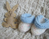 Unisex Newborn Baby Hand Knitted 2 piece Gift Set. Bootees & Felt Toy Rabbit  To fit approx. 0-3 months. Baby shower gift, Holiday gift